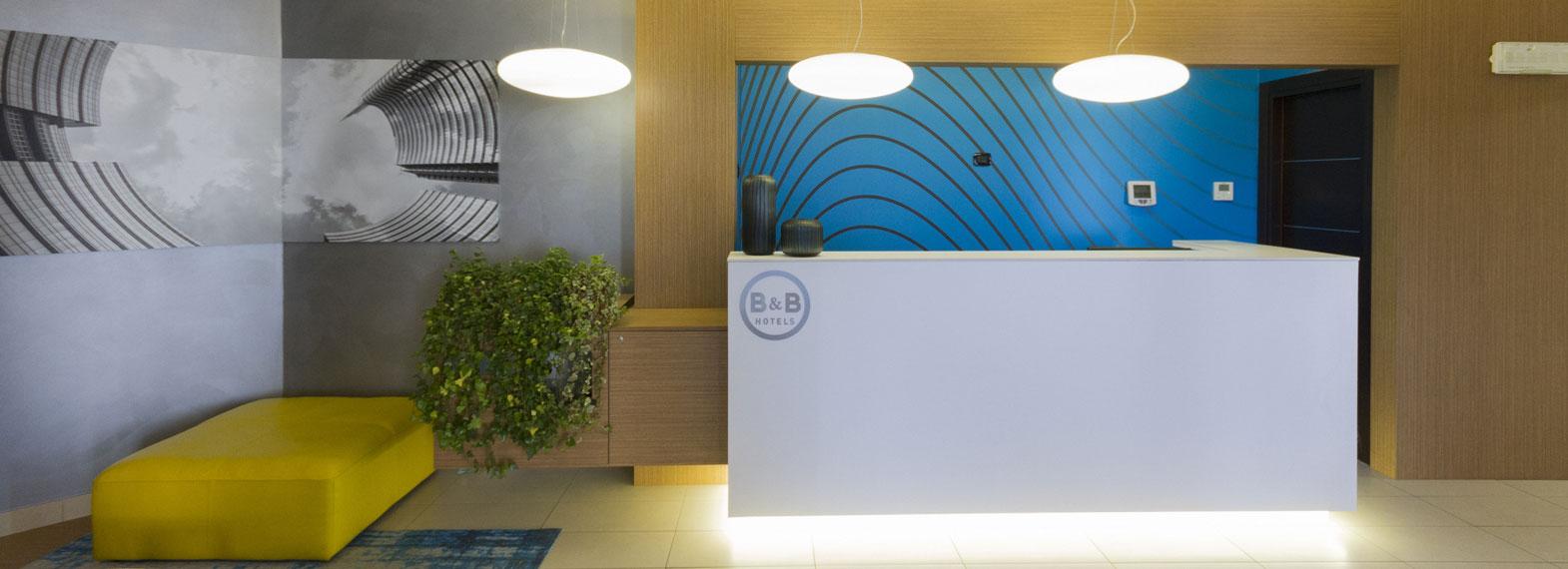 Reception di un B&B Hotels Italiano.