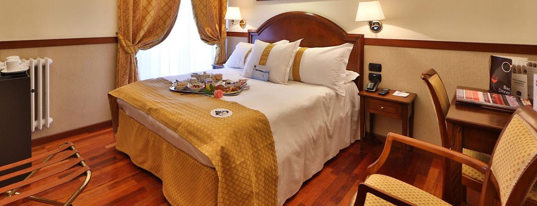 Interno di una stanza dell'hotel Best Western Plus Felice Casati di Milano.