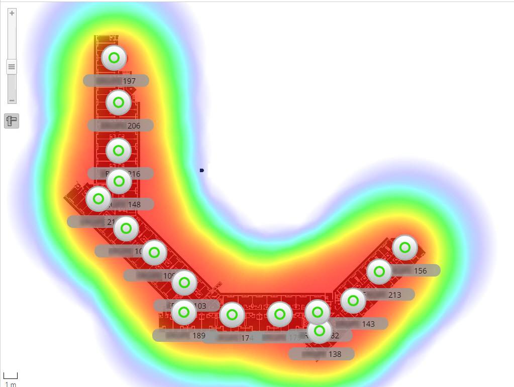 Schermata della piattaforma UniFi per la gestione centralizzata di una rete WiFi in albergo, raffigurante una mappa della disposizione degli access-point all'interno di un hotel.
